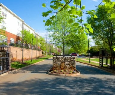 GATED COMMUNITY - Woodlands of Charlottesville - Safe Neighborhood Apartment Rentals